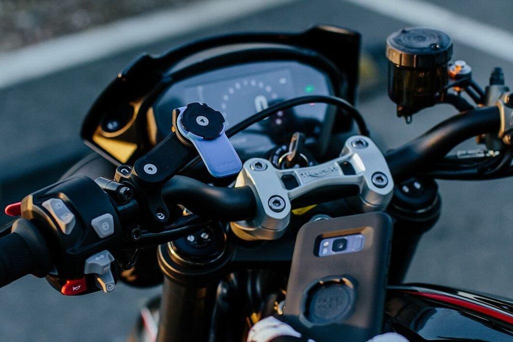quad lock motorcycle mount motorradlenkerhalter f r quad lock case und universal adapter pda max. Black Bedroom Furniture Sets. Home Design Ideas